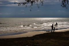 lycklig strand Arkivfoton