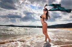 lycklig strandflicka Arkivfoto