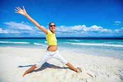 lycklig strandflicka Royaltyfri Fotografi