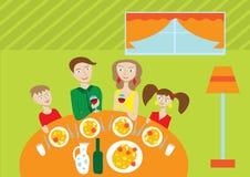 lycklig tabell för familj Arkivfoton
