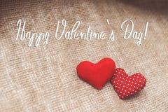 Lycklig text för dag för valentin` s på kanfas Royaltyfri Bild
