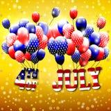 Lycklig 4th av den Juli designen Guld- bakgrund, baloons med stjärnor, randig text Royaltyfri Foto