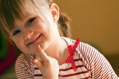 Lycklig ung flicka Fotografering för Bildbyråer