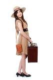 Lycklig ung kvinna som är klar att gå på semester Arkivfoto