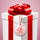Lycklig valentin dagvykort, gåvaask och handskrivet förälskelsemeddelande Arkivbild