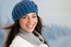 Lycklig vinterflicka Arkivbild