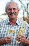 Lycklig viticultor royaltyfria bilder