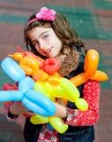 lycklig vridning för konstballongbarn Arkivbild