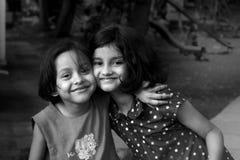 Lyckliga asiatiska flickor arkivfoto