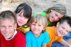 lyckliga barn Fotografering för Bildbyråer