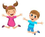 Lyckliga barn som på en gång hoppar Arkivfoto