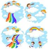 Lyckliga barn som spelar på molnen och regnbågen stock illustrationer