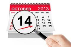 Lyckliga Columbus Day Concept. 14 oktober 2013 kalender med magnif Arkivfoton