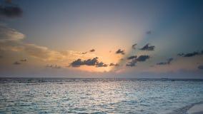Lyckliga dagar i Maldive Royaltyfri Bild