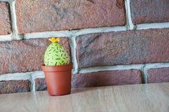 lyckliga easter Naturlig färg gjord easter äggbild grön livstid blommaillustrationen shoppar smellcomp Vårplantor växthus Blomma  royaltyfri bild