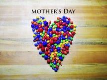 Lyckliga färgrika moders dag, hjärta arkivfoton