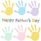 Lyckliga faderns dag lurar det färgrika handprinthälsningkortet Royaltyfri Foto