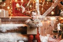 Lyckliga ferier för vinter royaltyfria bilder