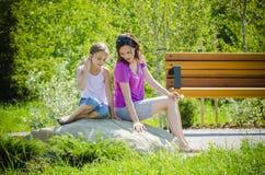 Lyckliga flickor 2 Arkivbild