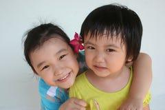 lyckliga flickor arkivfoton