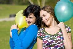 lyckliga flickor Fotografering för Bildbyråer