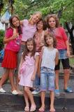 Lyckliga flickor utomhus Royaltyfria Foton