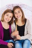 Lyckliga flickvänner Arkivbild