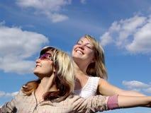 lyckliga flygflickor Fotografering för Bildbyråer