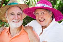 lyckliga hattpensionärer arkivbilder