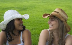 lyckliga kvinnor Fotografering för Bildbyråer