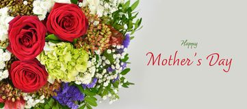 lyckliga mödrar för dag Bukett för moderdag av blommor royaltyfri bild