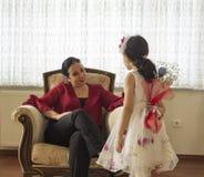 Lyckliga moders dag med barn royaltyfri fotografi