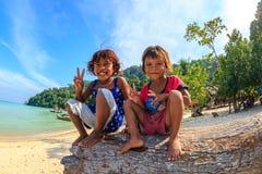 Lyckliga Moken barn Royaltyfria Foton
