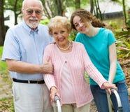 lyckliga morföräldrar Royaltyfri Fotografi