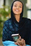 lyckliga muslim för flicka arkivfoto