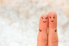 lyckliga par En man och en kvinnakram Royaltyfria Bilder