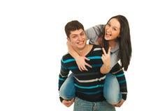 lyckliga par på ryggen Royaltyfri Bild