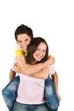 lyckliga par på ryggen Royaltyfria Bilder
