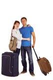 Lyckliga par som går på ferie Royaltyfri Foto