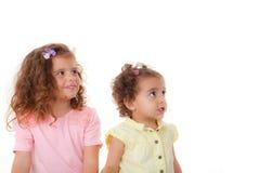 Lyckliga små flickor arkivfoto
