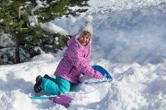 Lyckliga snöig ferier Arkivbilder