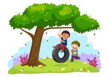 Lyckliga två pojkar som spelar gummihjulet, svänger under trädet vektor illustrationer