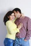 Lyckliga unga par Fotografering för Bildbyråer