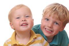lyckliga ungar Arkivfoto