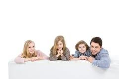 lyckliga ungar för familj Royaltyfri Foto