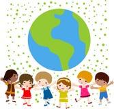 lyckliga ungar för jord Arkivbilder