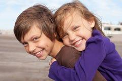 lyckliga vänner little Arkivfoto