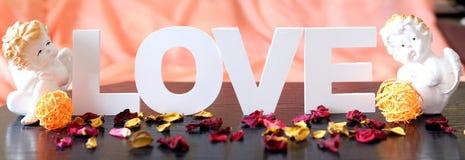 Lyckliga valentin dag förälskelse Arkivbild