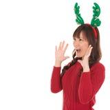 Lyckligt asiatiskt ropa för jultomtenkvinna Royaltyfri Fotografi