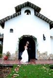 lyckligt bara gift Royaltyfria Bilder